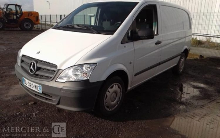 MERCEDES VITO 113 CDI COMPACT 2.8T BLANC DL-320-WE